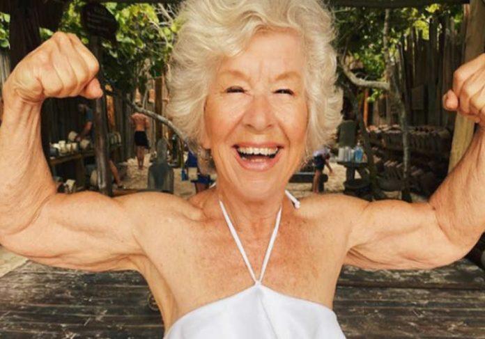 Joan MacDonald mudou a vida após cansaço ao subir as escadas Foto: @trainwithjoan