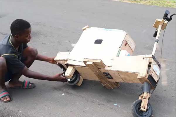 Moto foi construída com restos de madeira - Foto: Dext Technology Limited