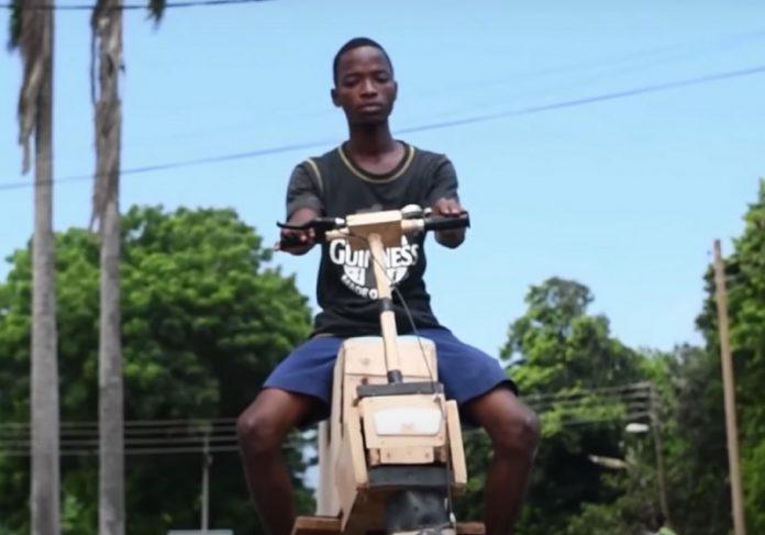 Jovem criou moto elétrica que funciona com energia solar - Foto: Dext Technology Limited