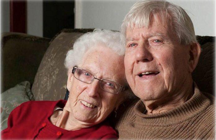 Annette e Bob - Foto: reprodução / Jessica Phelps/The Advocate