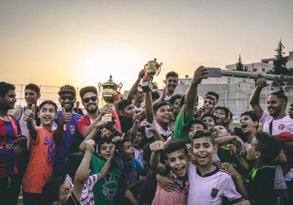 Equipe comemora vitória em um dos torneios internos do projeto