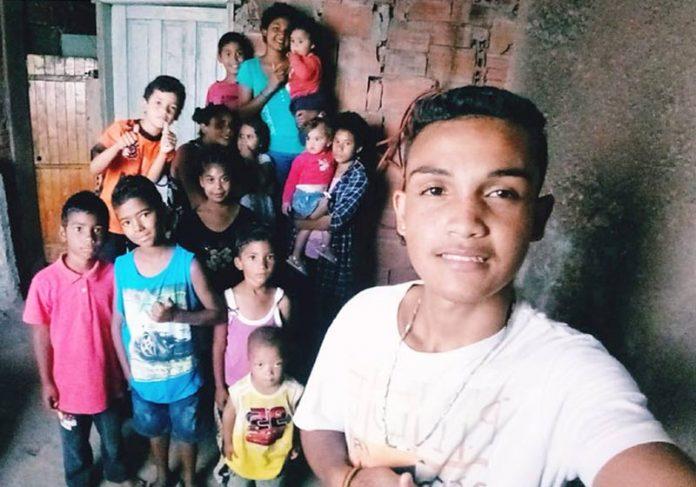 Sidneia e os filhos - Odilon da Silva Vieira/Arquivo Pessoal||