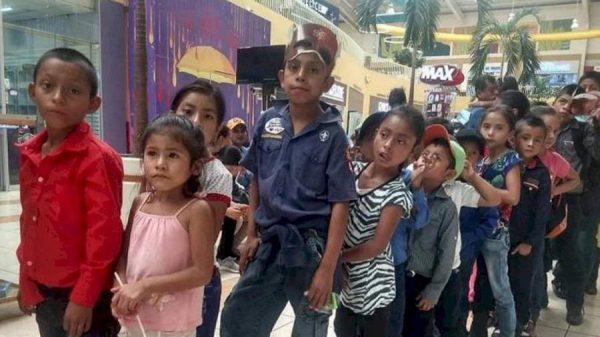 Alunos na fila do cinema - Foto: dwin Linares/Arquivo Pessoal