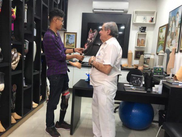Marcos com o empresário Nelson Nolé - Foto: Marília Moraes/G1