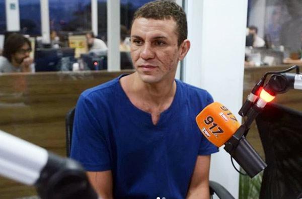 Wesley Francisco Muniz na rádio - Foto: João Godinho/OTempo