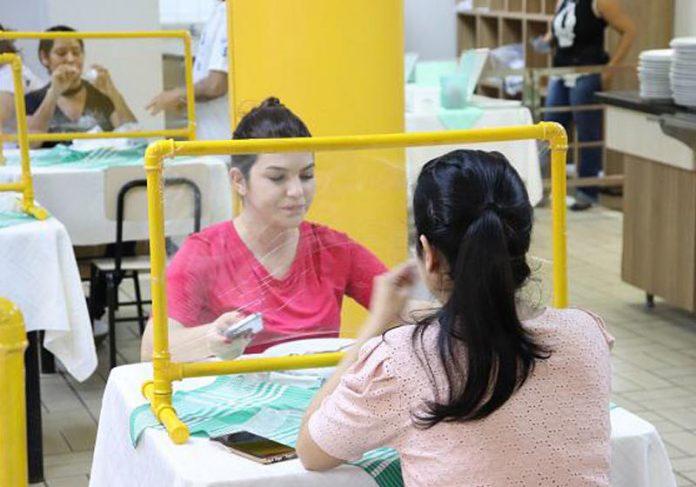 Barreira de PVC contra covid - Foto: HGG/divulgação 