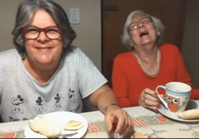 Cláudia e dona Francisquinha - Foto: reprodução / Youtube