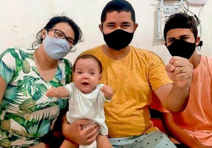 Francisco com a família - Foto: divulgação /Prefeitura de Sobral