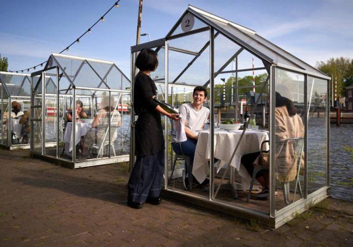Cabines do restaurante - Fotos: Anne Lakeman e Willem Velthoven/Divulgação