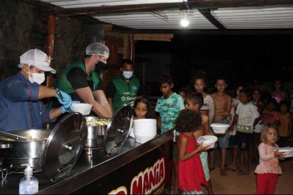Chef serve famílias da comunidade - Foto: arquivo pessoal