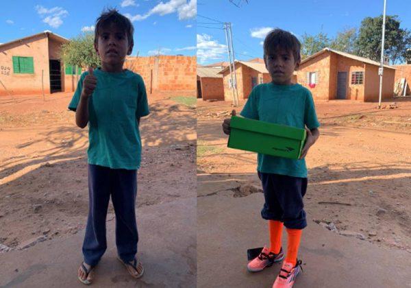 Yan Felipe, 5 anos, ganhou chuteiras em 17/06/2020 - Fotos: arquivo pessoal/Bruno Nóbrega