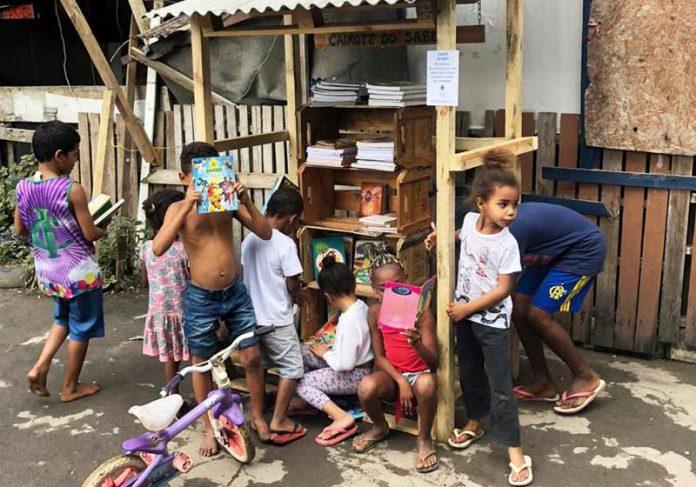 Crianças no Caixotes do Saber - Foto: André Melo