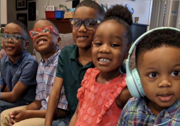 os 5 irmãos adotivos