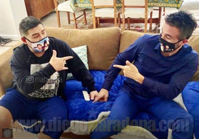 Maradona e o médico - Foto: reprodução / Instagram