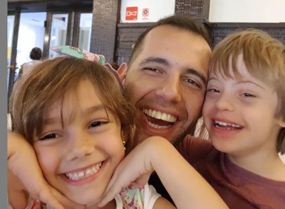 O pai Rafael que criou o canal pra Gabriel Foto: Arquivo Pessoal