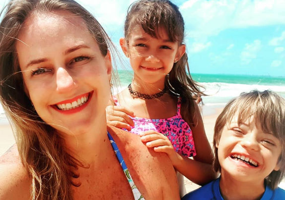 A mãe Marian com os filhos Foto: Arquivo Pessoal