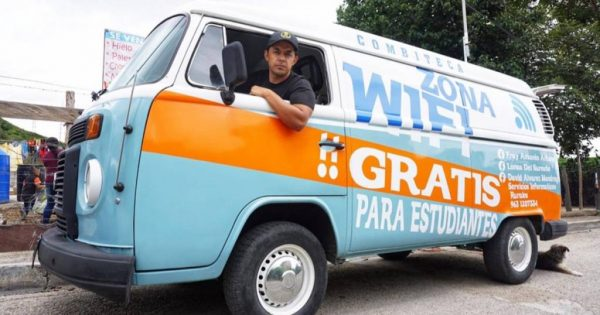 Professor Fray na Kombi com internet grátis - Foto: Nation