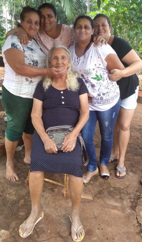 Maria Sirina com a família - Foto: arquivo pessoal