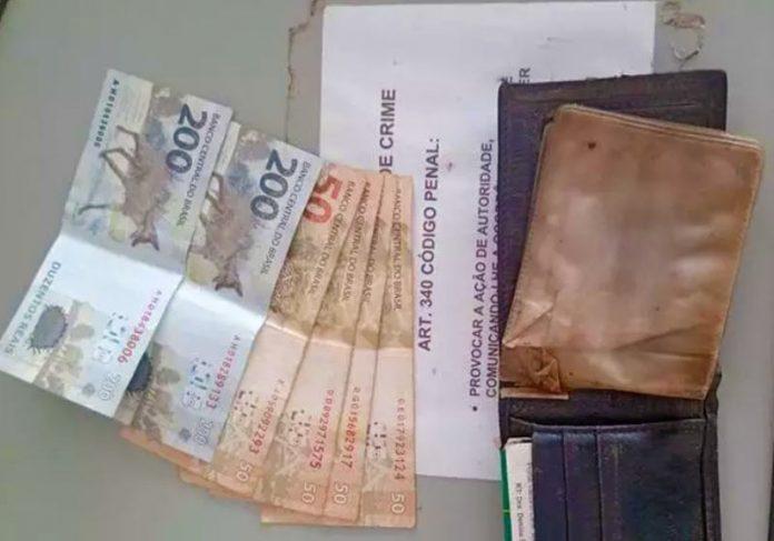 Carteira devolvida com dinheiro em MG - Foto: Polícia Militar / Divulgação
