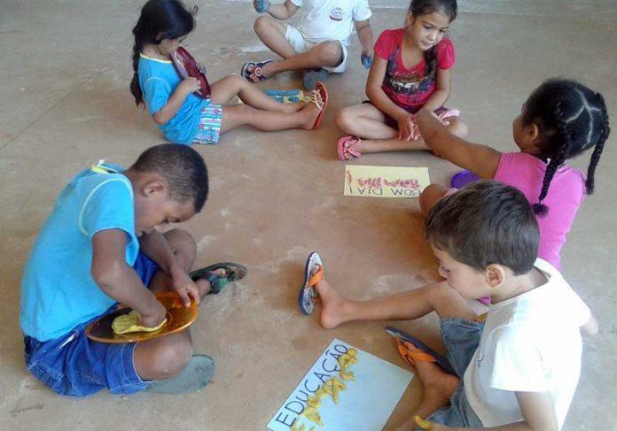 Crianças no Mãezinha do Céu - Foto: divulgação