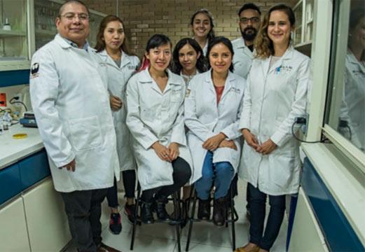 Dr Armando e a equipe: Foto: divulgação