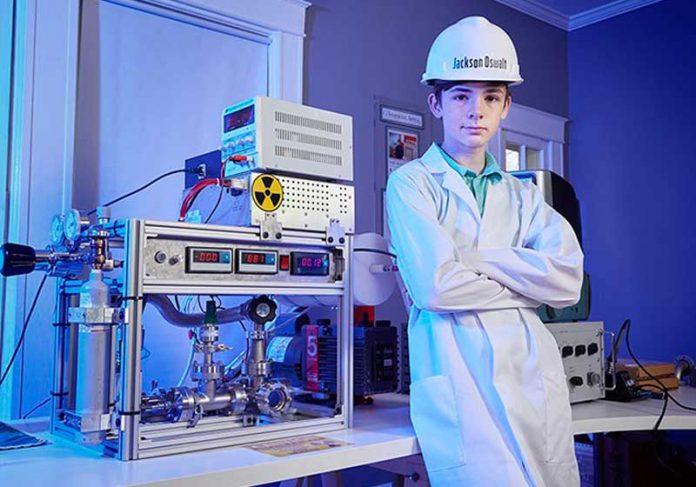 Jackson e o reator - Foto: Guinness World Records