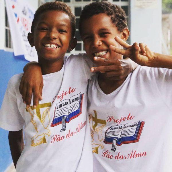 Algumas crianças ajudadas pelo Pão e Alma - Foto: divulgação