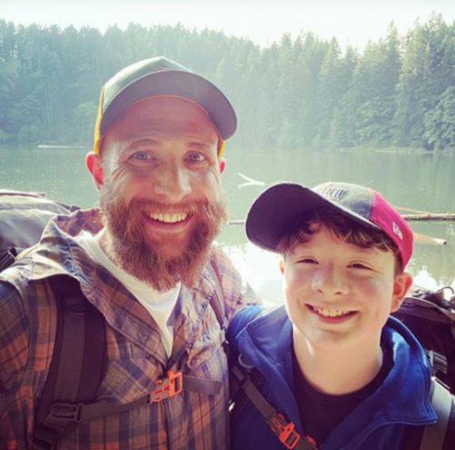 Kenny feliz com o filho - Foto: Instagram