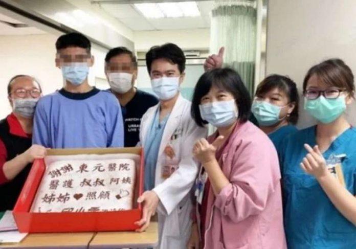 Gratidão: família leva bolo aos profissionais de saúde - Foto: reprodução