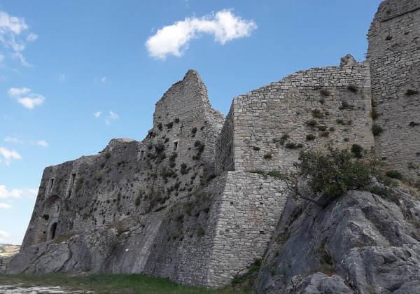 O Castelo em ruínas da cidade Foto: C.Castropignano