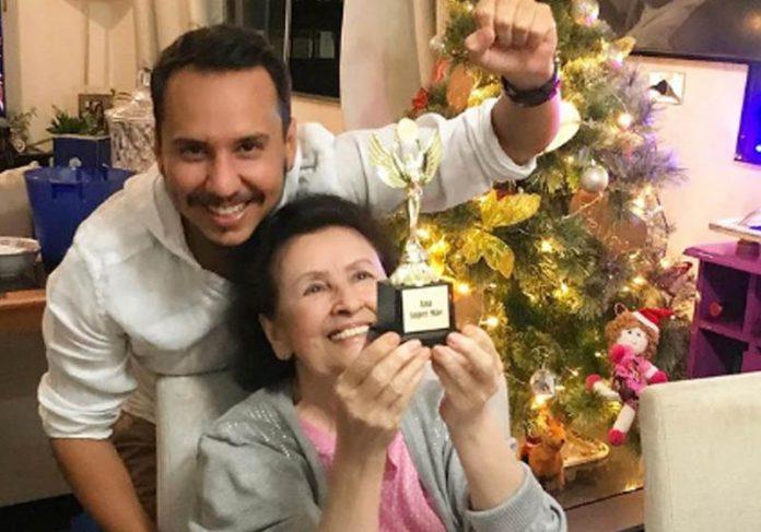 Henrique, Ana e troféu - Foto: reprodução / Instagram
