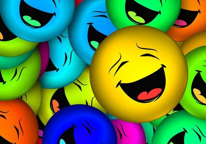 Sorrisos coloridos - Arte: Gerd Altmann / Pixabay