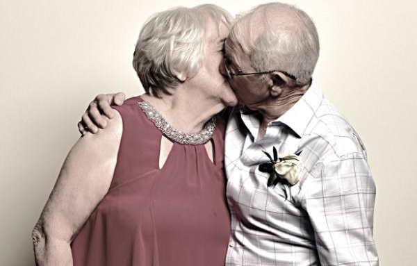 Beijo no dia do casamento Foto: Bobby Schmutz