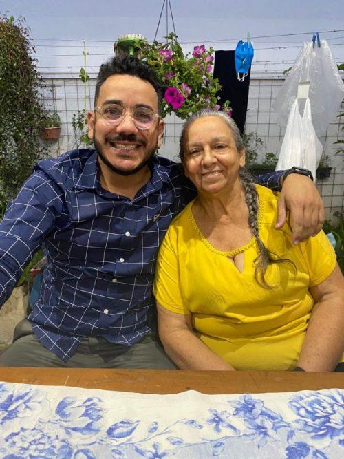 Prof. Jorge e a mãe – Foto: arquivo pessoal