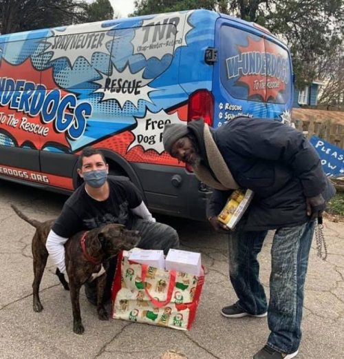 Keith e um ativista - Foto: W-Underdogs