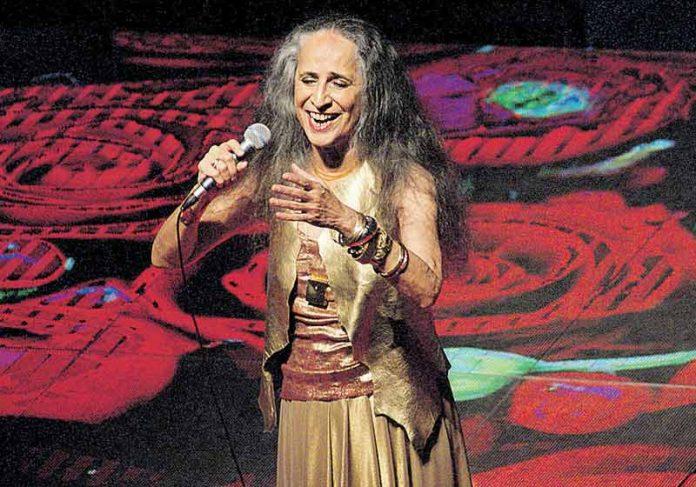 Maria Bethânia em show - Foto: divulgação
