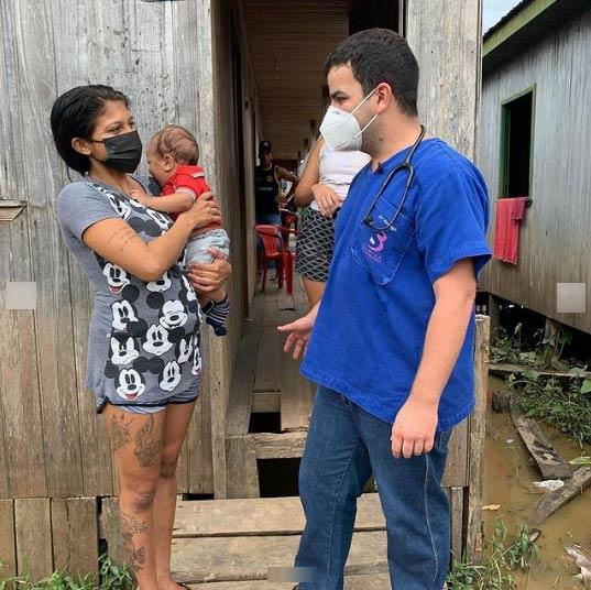 Dr. Rodrigo, Denis e a mãe - Foto: Instagram