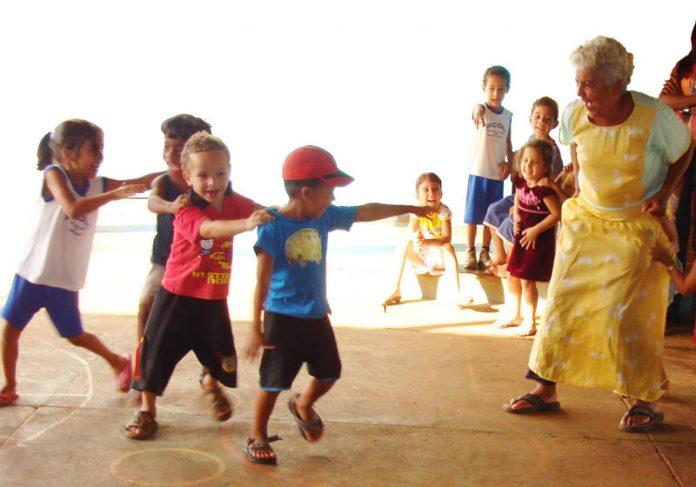 Crianças brincando no projeto - Foto: divulgação