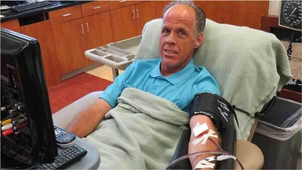 Marcos ajudou mais de 2 mil pessoas - Foto: South Texas Blood & Tissue Center