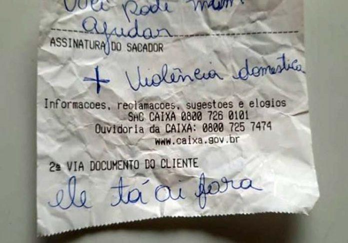 Bilhete que a mulher entregou no banco - Foto: reprodução / PMDF