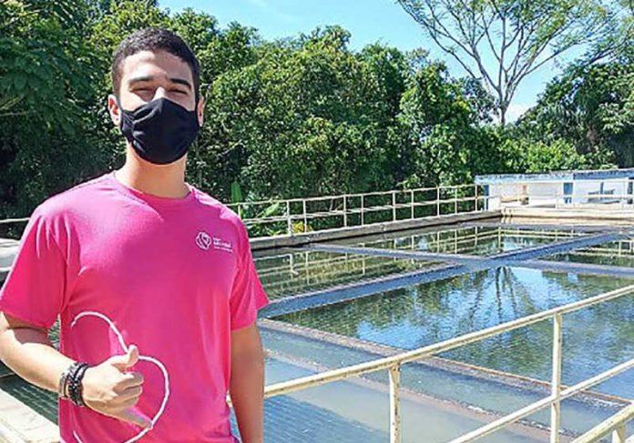 Gabriel criou um sistema que custará apenas R$ 450 para estações de água e consegue filtrar resíduos de microplásticos, limpando a água. - Foto: arquivo pessoal