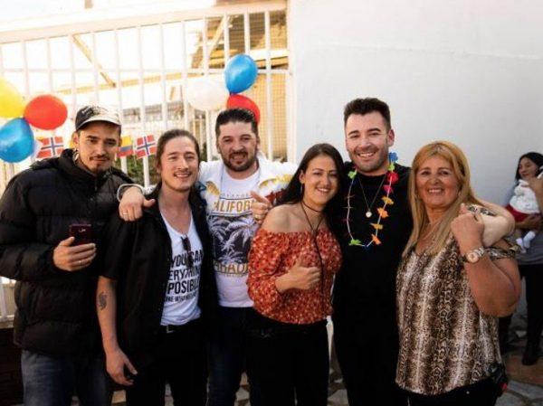 Jonathan e sua família colombiana. - Foto: reprodução Instagram @Ana preparou uma festa para esperar Jonathan. - Foto: reprodução Instagram @jhonatanjimenez1985