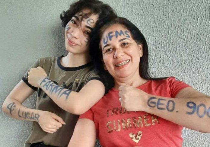 Eloisa e Elizandra passaram no vestibular - Foto: Redes Sociais/Divulgação