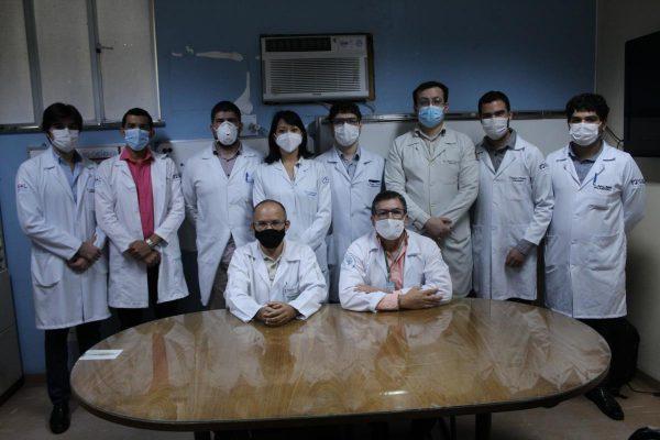 Equipe do Serviço de Neurocirurgia, responsáveis pela cirurgia do Lucas. - Foto: reprodução Ophir Loyola