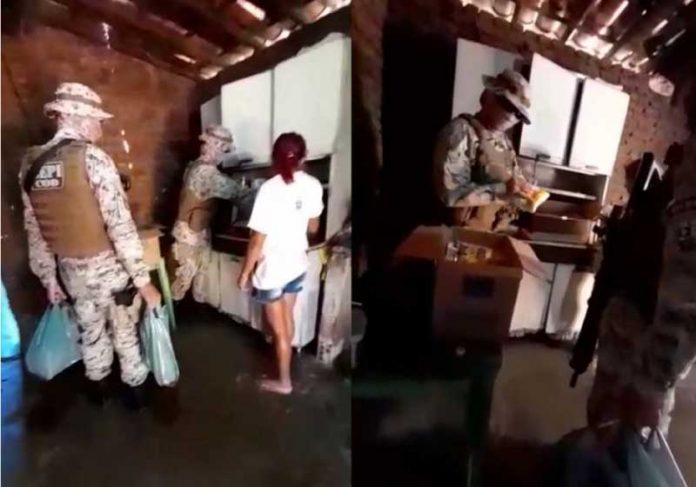 Após a ação, PMs doam alimento à família. - Foto: reprodução Diário do Nordeste