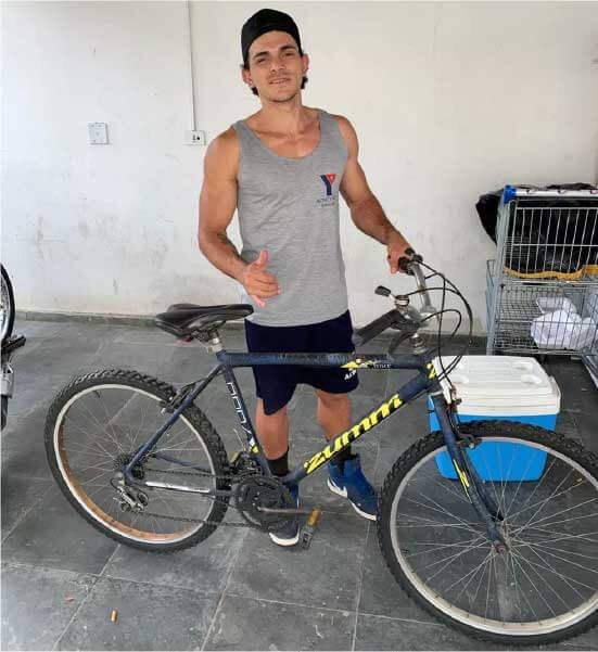 Weverton foi um dos selecionados para receber uma bicicleta do projeto — Foto: Weverton Alex Gomes da Silva/Arquivo pessoal