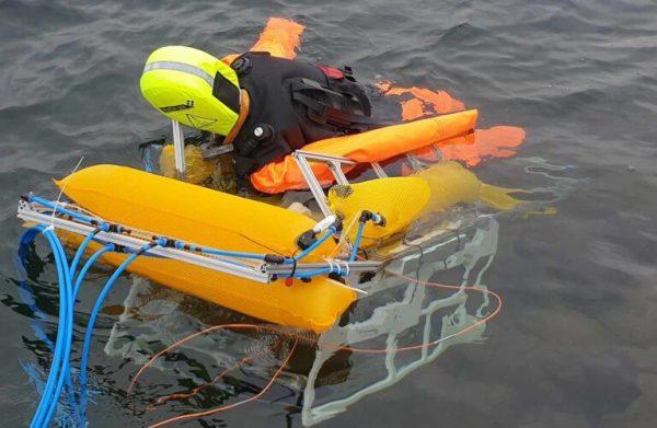 O robô subaquático transporta o manequim para a costa pela rota mais curta. - Foto: Fraunhofer IOSB, AST