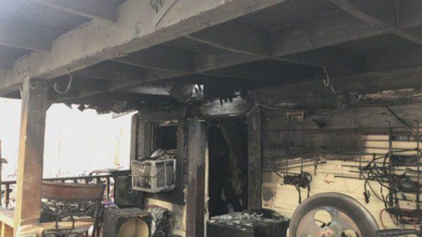 A casa que pegou fogo -Foto: reprodução / NewsWeek