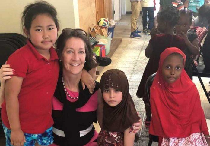 Marjy comprou casasa para famílias carentes Foto: reprodução GNN
