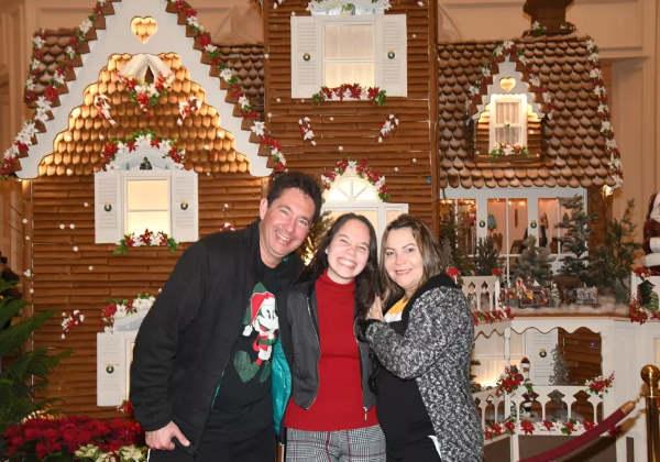Ananda com os pais Foto: Arquivo Pessoal
